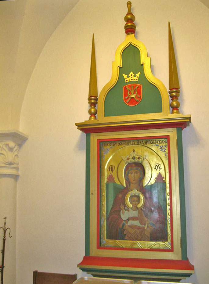 icon of blessed mother and infant Jesus